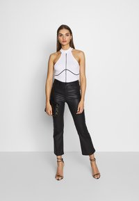 Missguided - PIPING DETAIL HIGH NECK BODYSUIT - Top - white - 1