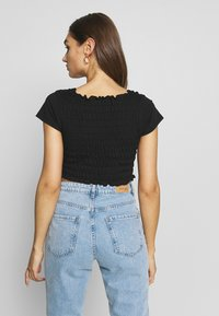 Missguided - SHIRRED CROP 2 PACK - Jednoduché triko - white/black - 3