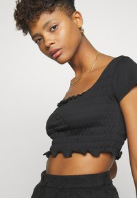 Missguided - SHIRRED CROP 2 PACK - T-Shirt basic - red/black - 5
