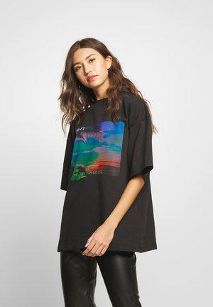 PARADISE DROP SHOULDER TEE - T-shirt imprimé - black