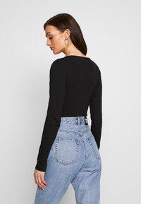 Missguided - BUTTON FRONT LONG SLEEVE BODYSUIT - T-shirt à manches longues - black - 2