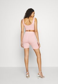 Missguided - CODE CREATE REFLECTIVE DETAIL CROP TOP SHORT - Top - pink - 2