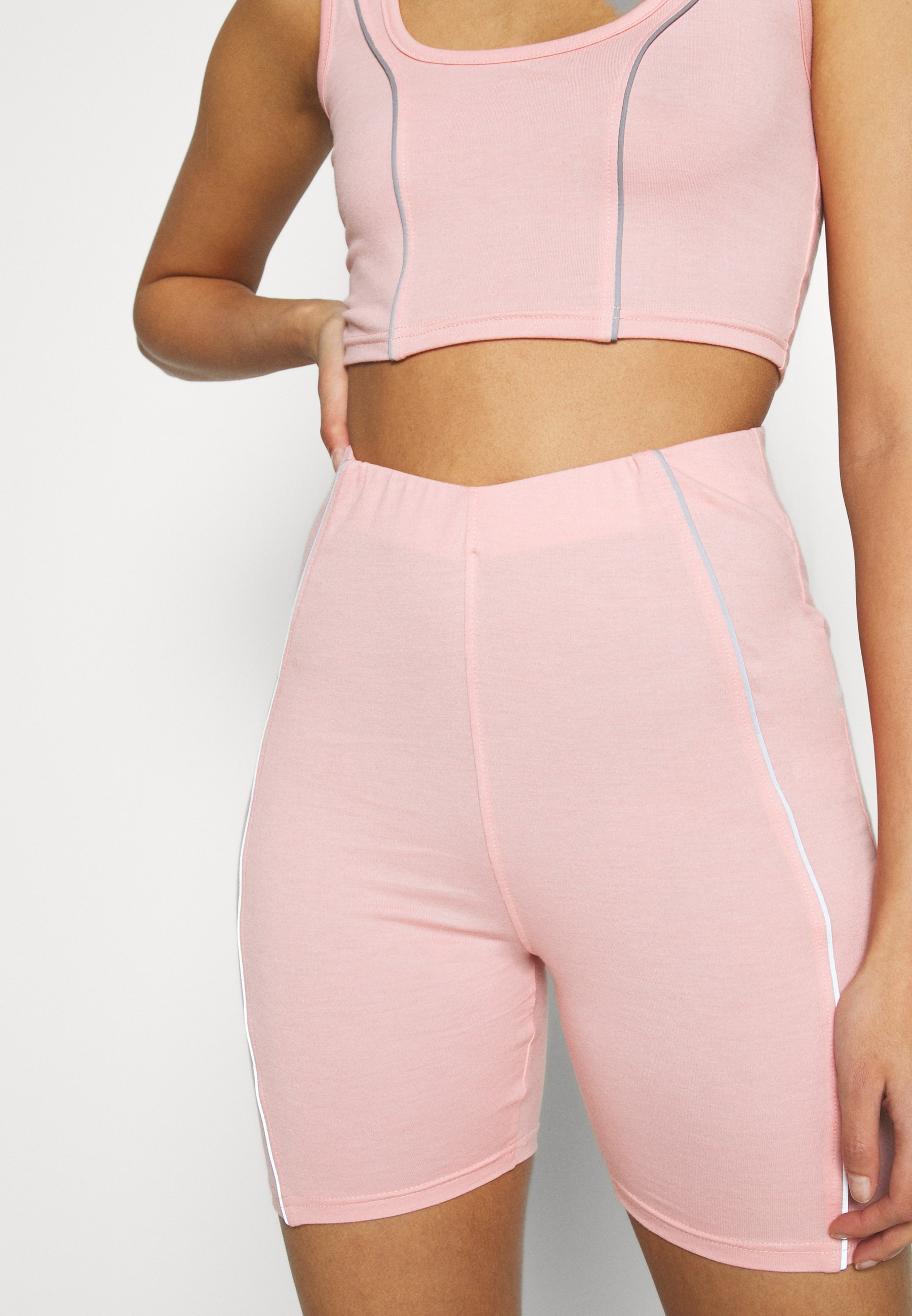 Missguided CODE CREATE REFLECTIVE DETAIL CROP TOP SHORT - Top - pink