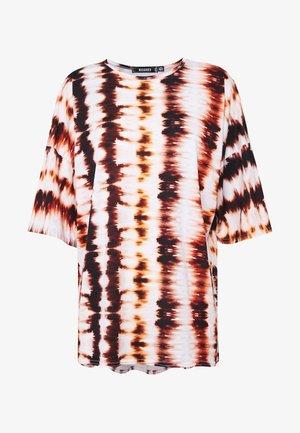 CODE CREATE TIE DYE  - Print T-shirt - rust