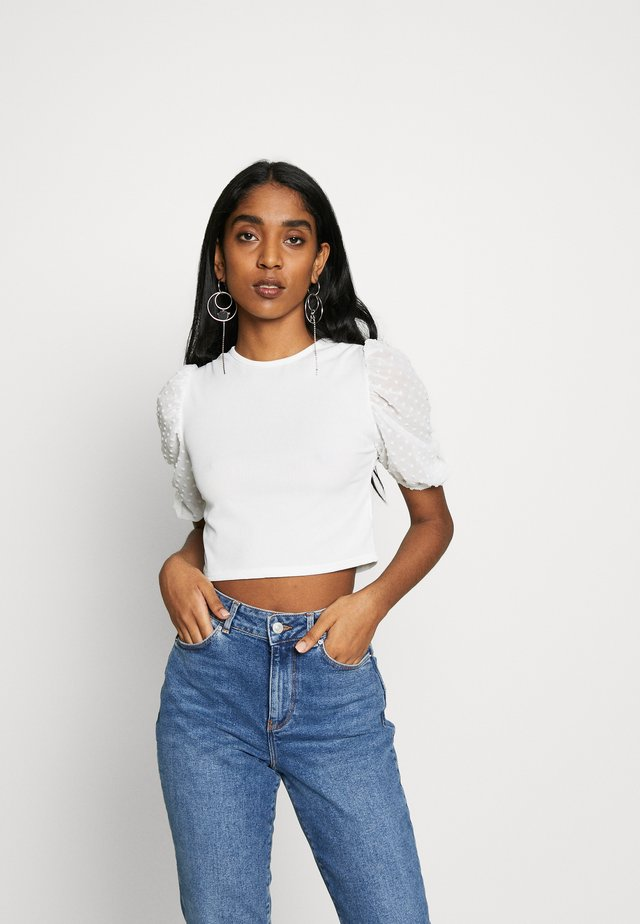 DOBBY PUFF SLEEVE CROP - T-shirt med print - white