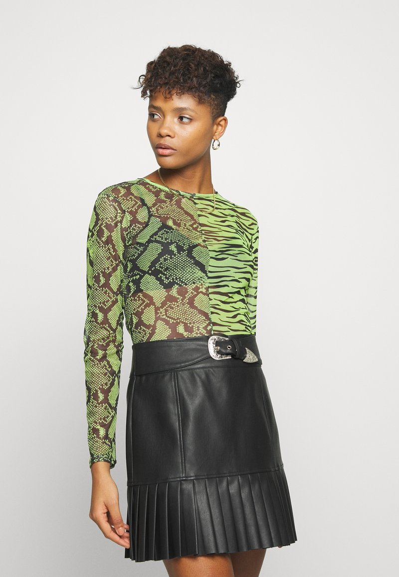 Missguided - MIXED LONG SLEEVED CROP TOP - T-shirt à manches longues - neon green
