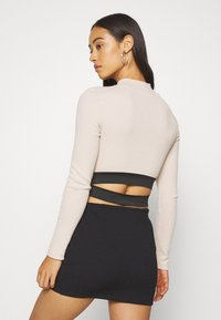 Missguided - ZIP WAISTBAND CROP - Long sleeved top - nude - 2