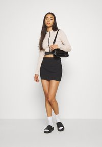 Missguided - ZIP WAISTBAND CROP - Long sleeved top - nude - 1