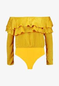 Missguided - HAMMERED FRILL LAYERED BARDOT BODYSUIT - Bluser - mustard - 4