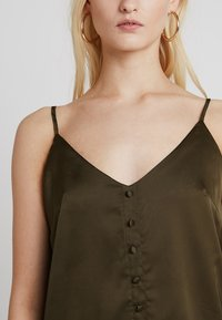 Missguided - BUTTON FRONT STRAPPY CAMI - Top - khaki - 4