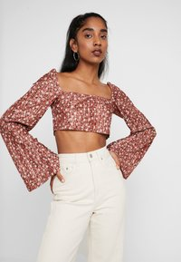 Missguided - FLORAL PLISSE SQUARE NECK - Long sleeved top - rust - 0