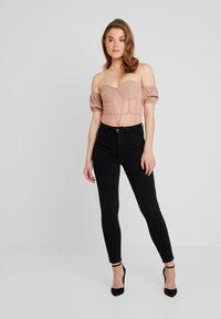 Missguided - BARDOT PUFF SLEEVE CUPPED BODYSUIT - Blouse - nude - 1