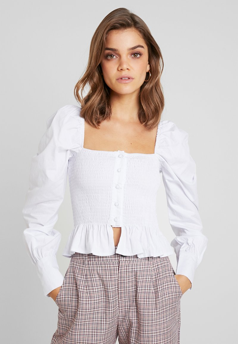 Missguided - PURPOSEFUL SQUARE NECK SHIRRED BUTTON DOWN - Blouse - white