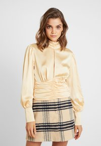 Missguided - PURPOSEFUL HIGH NECK BUTTON GATHER DETAIL - Blus - champagne - 0