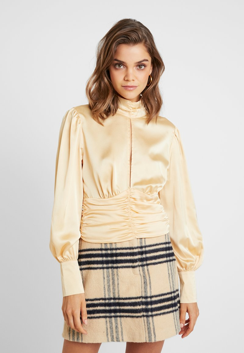 Missguided - PURPOSEFUL HIGH NECK BUTTON GATHER DETAIL - Blus - champagne