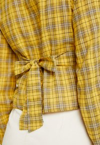 Missguided - CHECK BUTTON FRONT TIE WAIST - Bluser - yellow - 5
