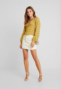 Missguided - CHECK BUTTON FRONT TIE WAIST - Bluser - yellow - 1
