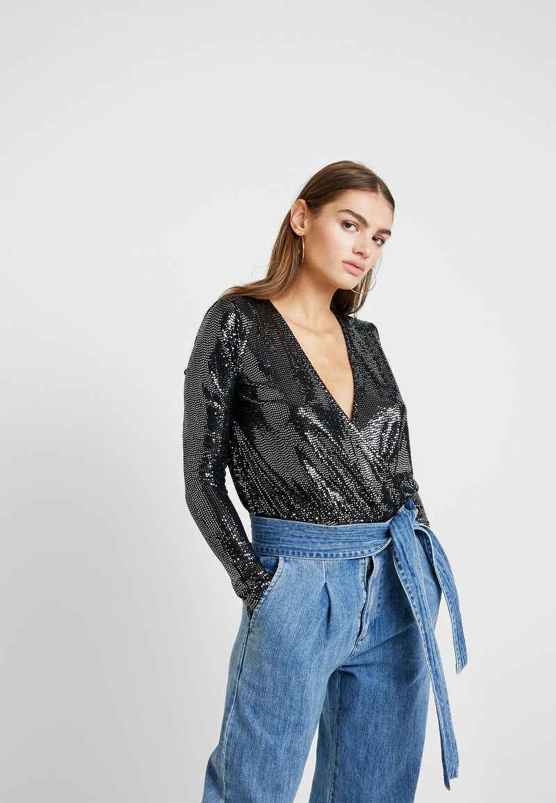 Missguided - FRIDAY SEQUIN PLUNGE - Longsleeve - black
