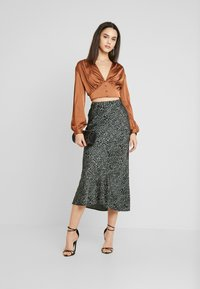 Missguided - COVERED BUTTON CORSET BLOUSE - Blus - rust - 1