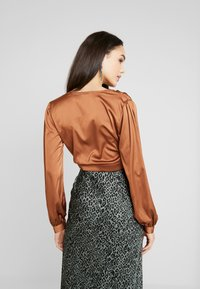 Missguided - COVERED BUTTON CORSET BLOUSE - Blus - rust - 2