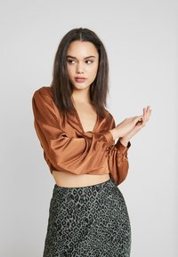 Missguided - COVERED BUTTON CORSET BLOUSE - Blus - rust - 3