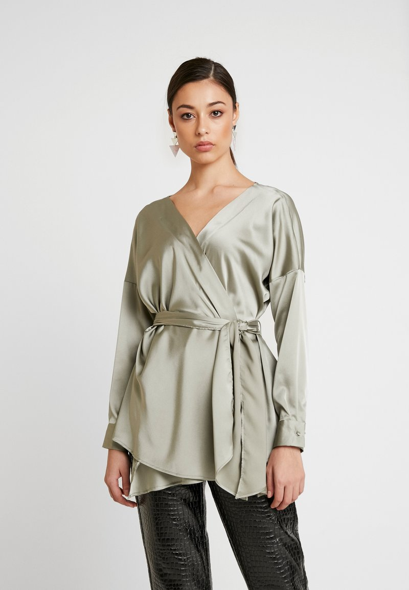 Missguided - OVERSIZED PLUNGE TIE WAIST BLOUSE - Blůza - green