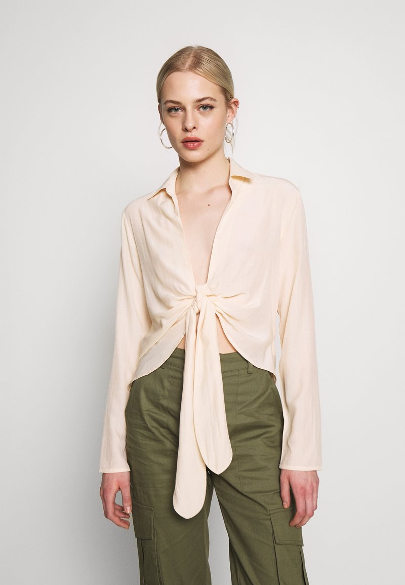 Missguided - TIE FRONT COLLARED BLOUSE - Blouse - cream