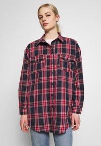 Missguided - BRUSHED BASIC CHECK SHIRT - Overhemdblouse - navy - 0