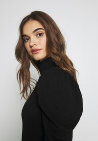 Missguided - RIBBED PUFF SLEEVE HIGH NECK  - Blouse - black - 5