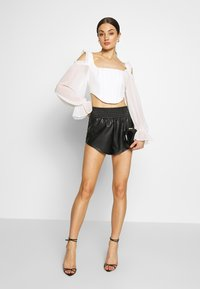Missguided - COLD SHOULDER CORSET - Camicetta - white - 1