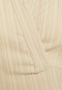 Missguided - TEXTURED TIE FRONT CROP - Skjorte - cream - 2