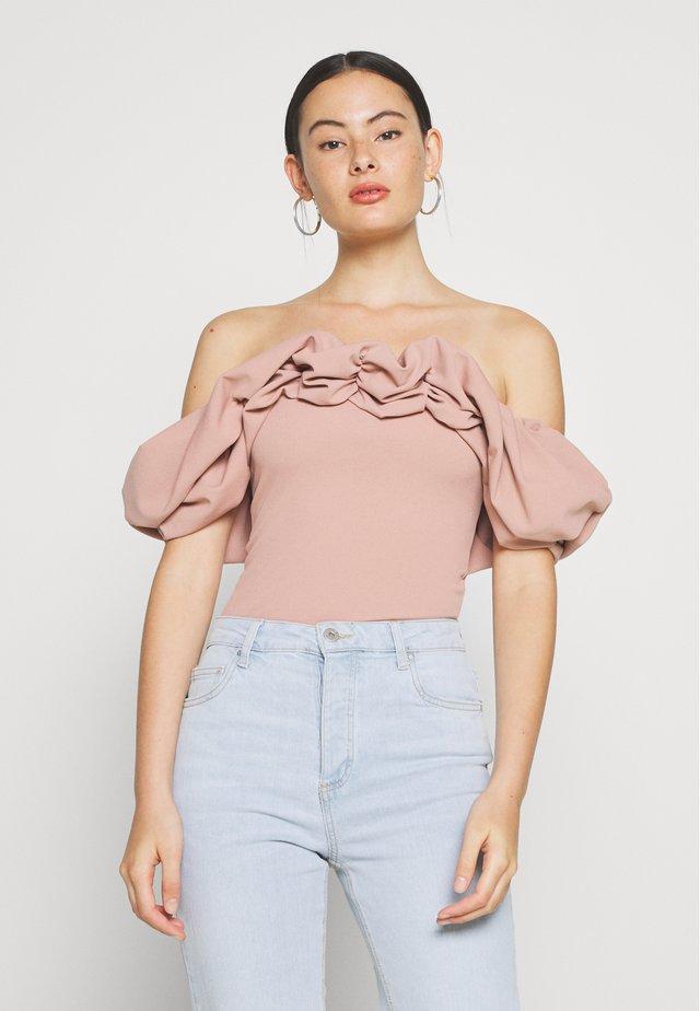 RUFFLE NECK BARDOT - Bluzka - pink