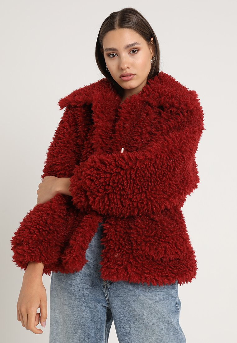 Missguided - BOXY SHAGGY BORG JACKET - Zimní bunda - red