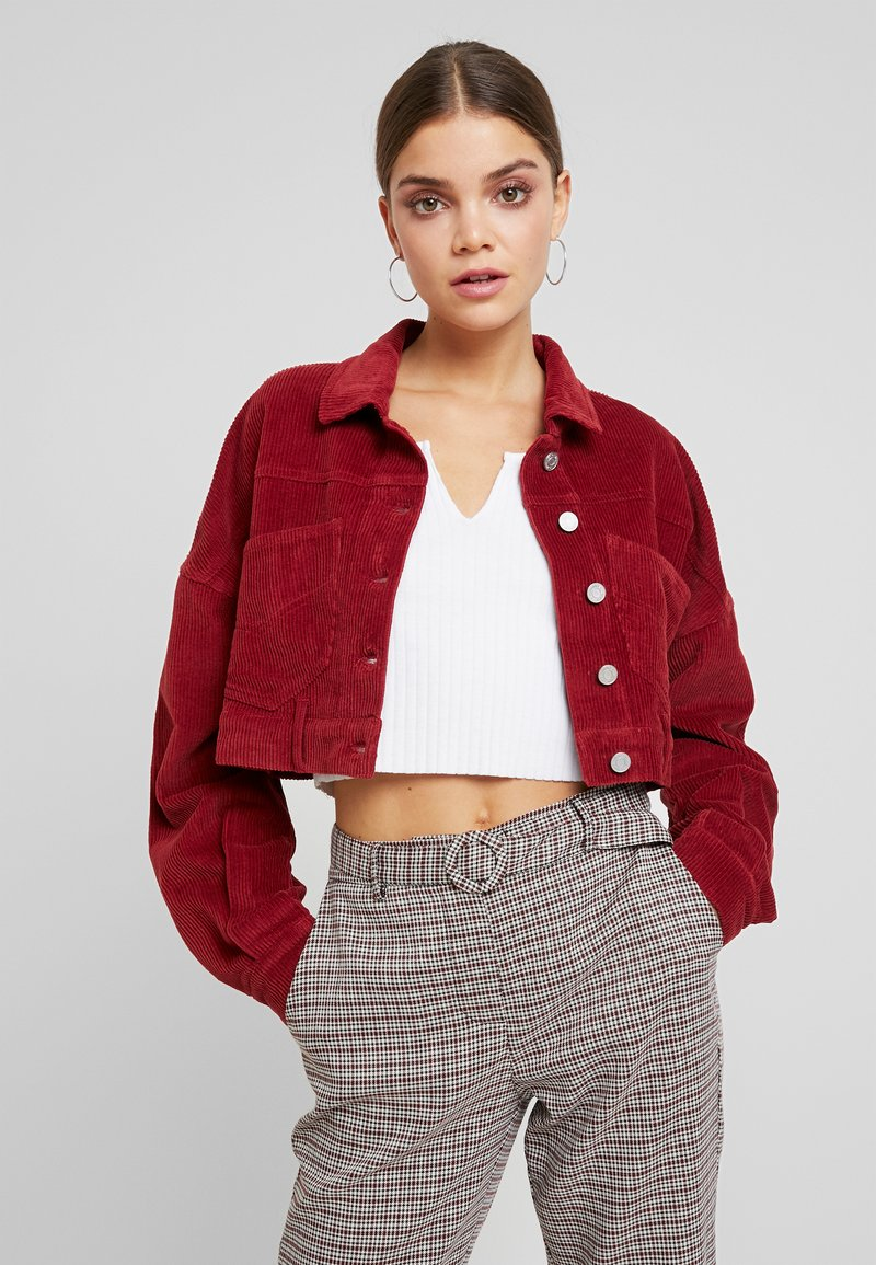 Missguided - CROPPED JACKET - Leichte Jacke - deep red