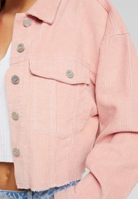 Missguided - CROPPED JACKET - Giacca leggera - pink - 5