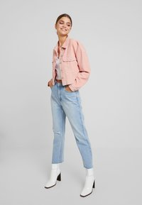 Missguided - CROPPED JACKET - Giacca leggera - pink - 1