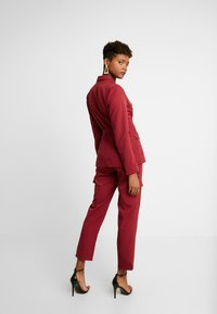 Missguided - BELTED - Blazer - red - 2