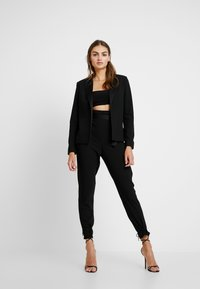 Missguided - FRIDAY BELTED FITTED - Blazer - black - 1