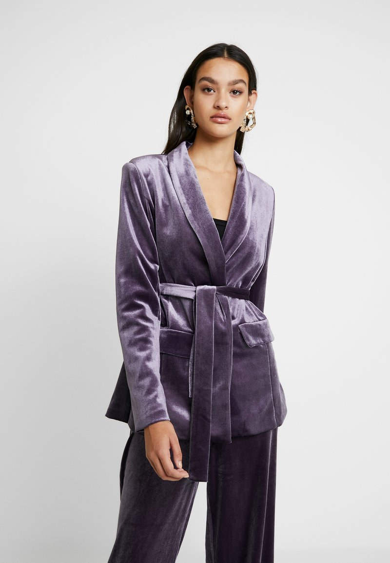Missguided - LIGHT MAGIC TIE WAIST - Sportovní sako - purple