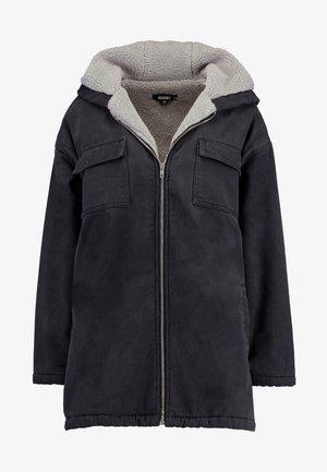 BORG LINED HOODED PARKER - Krátký kabát - washed black