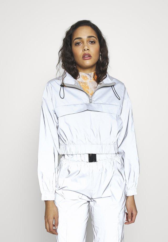 CODE CREATE REFLECTIVE JACKET - Summer jacket - grey