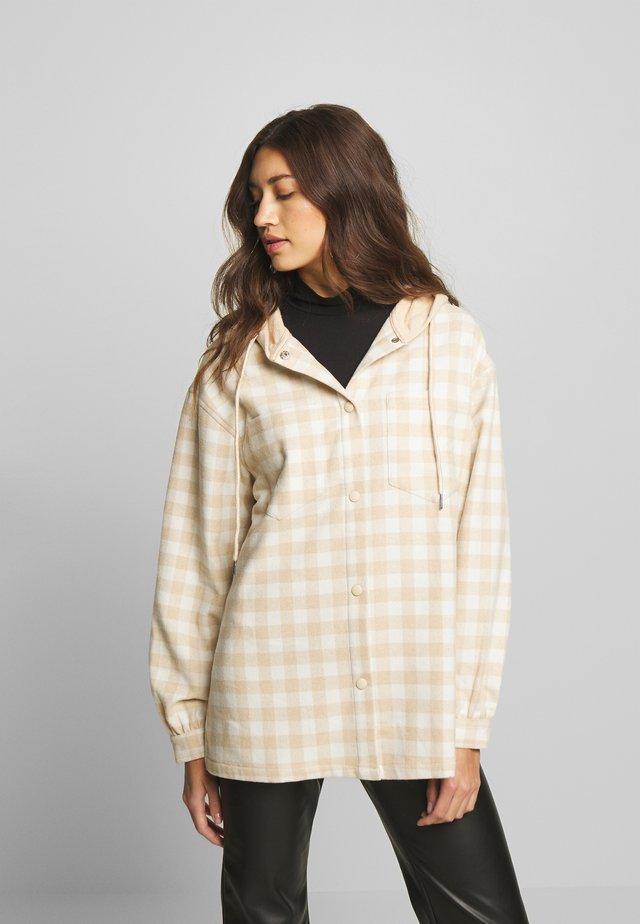 BRUSHED HOODED SHACKET - Summer jacket - beige