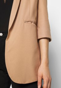 Missguided - PRICE POINT BASIC - Blazer - camel - 4