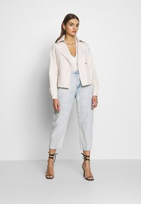 Missguided - CROPPED BELTED - Summer jacket - cream - 1