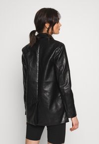 Missguided - Short coat - black - 2