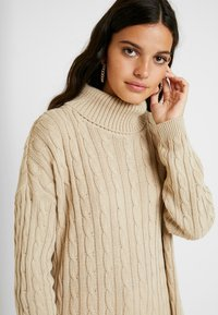 Missguided - CABLE ROLL NECK JUMPER - Jersey de punto - stone - 4