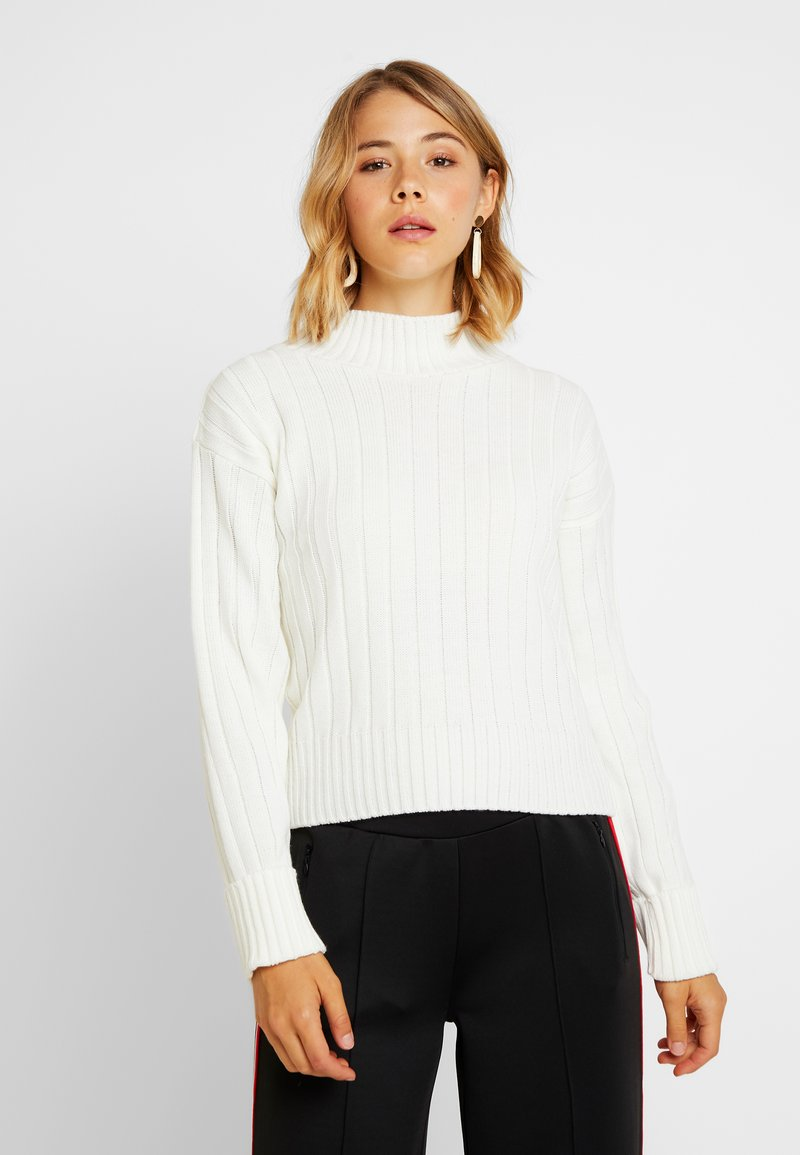 Missguided - WIDE FUNNEL NECK TURN UP SLEEVE JUMPER - Strickpullover - white