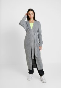 Missguided - MAXI BELTED CARDIGAN - Cardigan - grey - 0