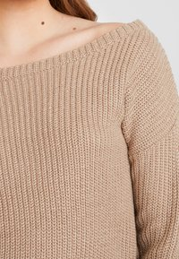 Missguided - OPHELITA OFF SHOULDER JUMPER - Maglione - taupe - 4