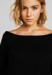 Missguided - OPHELITA OFF SHOULDER JUMPER - Strikkegenser - black - 4